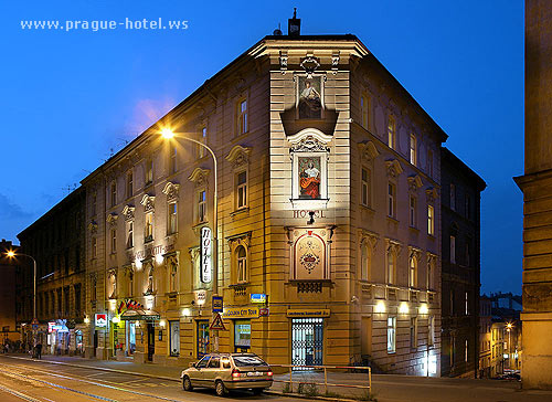 Pictures and photos of hotel golden city inn in prague for Prague city hotel